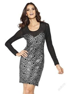 f74c092195d6 Černé strečové šaty s rukávy stř. krajkou