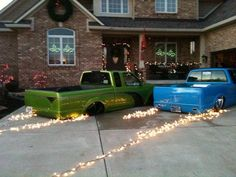 A Mini-trucker Christmas!  This is just funny, I could so see this image in our driveway!