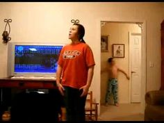 Little brother trolls sister while she's dancing to akon. This is hilarious!!