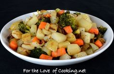 SIMPLY ROASTED VEGETABLES AND POTATOES    INGREDIENTS:  1 tbsp olive oil  4 Yukon gold potatoes, diced  4 carrots, diced  1/2 sweet yellow onion, diced  1 cup of broccoli florets  Sea salt and freshly cracked pepper, to taste  Garlic powder, to taste    DIRECTIONS:  Preheat the oven to 375 degrees. Coat a glass baking dish with cooking spray.    To