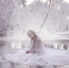 The Ancient Magus Bride Pregnant Story Inspiration, Writing Inspiration, Character Inspiration, Ice Queen, Snow Queen, Images Esthétiques, The Ancient Magus Bride, Elfa, Fantasy Photography