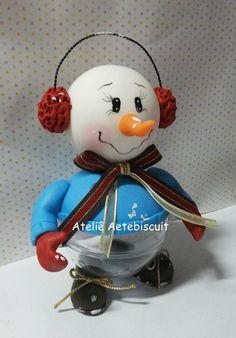 """Lindo enfeite de natal boneco de neve na bola acrilica.  Tire suas duvidas pelo botão """"CONTATAR VENDEDOR""""."""