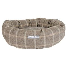 Our luxury British Donut Dog Beds are super comfy for your dog to cuddle up in and look great in your home too! The Mutts & Hounds signature collection inco