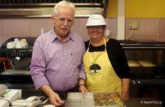 Τα κιμαδοπιτάκια της κυρίας Δόξας στα Ιωάννινα | TasteFULL.gr My Cookbook, Cooking, Recipes, Kitchen, Recipies, Ripped Recipes, Recipe, Cooking Recipes, Cuisine