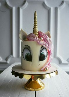 Cake Art - One of Elena's top ten pastry chefs in Russia, she is very creative by painting her cake or adding flowers, berries or fruit to decorate her cake. - Page 37 of 58 - zzzzllee Unicorne Cake, Cake Art, Eat Cake, Cupcake Cakes, Pretty Cakes, Cute Cakes, Beautiful Cakes, Amazing Cakes, Bolo My Little Pony