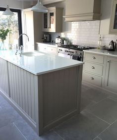 Outstanding Gray Kitchen Flooring Frieze Gray Kitchen Flooring Limestone Is Proving More And More Popular For A Stone Kitchen Floor Kitchen Marble Top, Grey Kitchen Floor, Dark Grey Kitchen, Grey Floor Tiles, Kitchen Tiles, New Kitchen, Kitchen Decor, Kitchen Cabinets, Best Kitchen Flooring