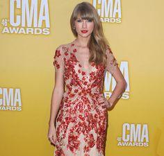 Taylor Swift, sin premio y sin novio en los Country Music Awards #music #people #singers #celebrities #cantantes #famosas