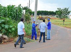 Mutirão faz limpeza nas ruas de Passos http://www.passosmgonline.com/index.php/2014-01-22-23-07-47/geral/9680-mutirao-faz-limpeza-nas-ruas-de-passos