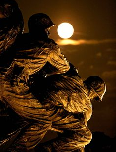 The Super Moon 2014. Marine Memorial at Arlington.