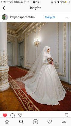 Muslim Wedding Gown, Hijabi Wedding, Muslimah Wedding Dress, Muslim Wedding Dresses, Disney Wedding Dresses, Muslim Brides, Wedding Dress Sleeves, Dream Wedding Dresses, Muslim Women