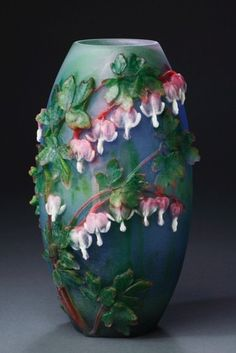 Higuchi made this wonderful pate de verre vase in 2009.