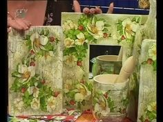 Decoupage kitchen boards, frames for mirrors and napkins Diy Videos, Craft Videos, Decoupage Tutorial, Decoupage Furniture, Tole Painting, Reuse, Crafts To Make, Sewing Crafts, Napkins