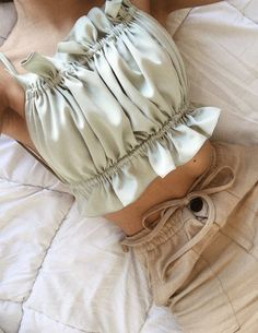 Fashion Sewing, Diy Fashion, Ideias Fashion, Fashion Outfits, Crop Top Outfits, Cute Casual Outfits, Diy Clothes Design, Diy Tops, Trendy Tops