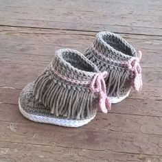 Crochet pattern baby sneakers