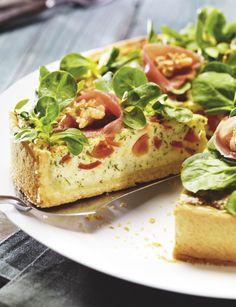 Quieche mit Ziegenkäse und Salat  http://www.oetker.de/oetker/rezepte/backen/pikantes_gebaeck/quiche_mit_ziegenkaese_und_salat.html