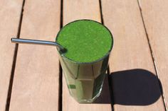Healthy Alkalising Green Juice Recipe - Packed full of delicious organic kale, celery, ginger, matcha and so much more deliciousness you wouldn't believe! Over on Organic Beauty Life. The Wellness Blog of lewin & reilly | organic skin care. Visit: http://bit.ly/1Shm7zc