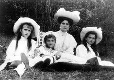 1910 | Photograph Album I - ca. 1899-1910