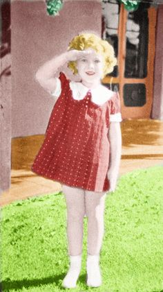 Shirley Temple color photo:Shirley Temple ,1935.