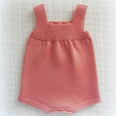 This Pin was discovered by Pet Baby Knitting Patterns, Knitting Designs, Baby Patterns, Crochet Baby, Knit Crochet, Romper Pattern, Knitted Romper, Knitted Animals, Diaper Covers