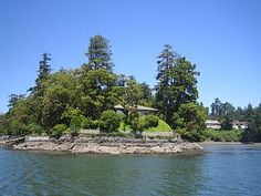 stunning views, magnificant gardens , a tranquil retreat - View Royal Arbutus Tree, Home And Away, Estate Homes, Historical Sites, Best Hotels, Vacation Apartments, Ocean, Gardens, Outdoor