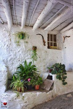 Andalusia Spain, Granada Spain, Patio Courtyard Ideas, Spain Holidays, Stone Houses, Seville, Spain Travel, Malaga, Beautiful World