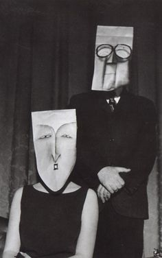 Saul Steinberg was a cartoonist for The New Yorker, and Inge Morath was a photographer. Saul Steinberg, The New Yorker, Kasimir Und Karoline, Luba Lukova, Inge Morath, Le Clown, Paper Mask, Magnum Photos, Art Plastique