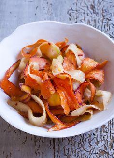 """Wasabi"" Pickled Carrots Recipe - from Asian Pickles Japan - Karen Solomon - Food Writer/Cookbook Author Pickled Green Beans, Pickled Carrots, Pickled Ginger, Fresh Ginger, Horseradish Pickles, Carrot Recipes, Healthy Recipes, Tapas, Recipes"