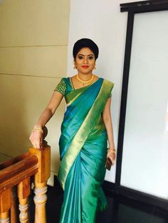 Bridal Sarees ,Designer Blouses and jewellery has members. Hello friends ,this group is dedicated for Bridal Trending sarees designer blouses and. Wedding Saree Blouse Designs, Pattu Saree Blouse Designs, Fancy Blouse Designs, Kerala Engagement Dress, Engagement Saree, Engagement Hairstyles, Indian Silk Sarees, Indian Beauty Saree, Designer Sarees