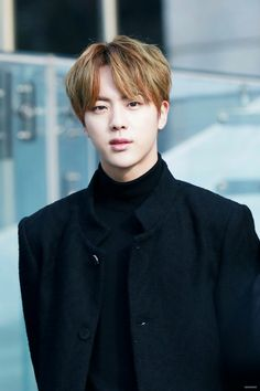 Is he rlly the so of a ceo. Cuz damn he's visual proves it