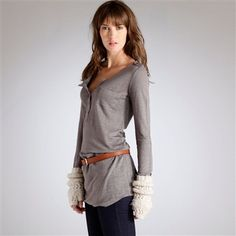 I like that belt with a long shirt