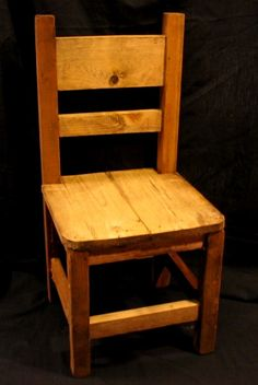 Chair from pallet wood