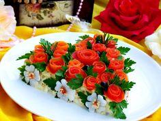 Салат Розовый блюз - пошаговый рецепт с фото: Хочу поделиться рецептом моего самого любимого, да к тому же оригинально оформленного (сердце из роз), салата! Салат очень прост в приготовлении, готовится из самых доступных продуктов, а получается очень вкусным и с достоинством украсит любой праздничный...