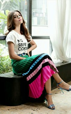 Maya ali Pakistani Girl, Pakistani Actress, Her Style, Cool Style, Maya Ali, Hijab Fashionista, Pakistan Fashion, Photography Poses Women, Glamour