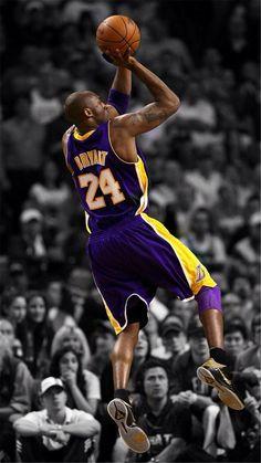 Kobe Bryant Shooting A Shot From The Three Line Black Mamba Joueurs De