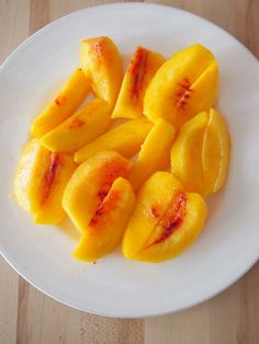 How To Freeze Peaches - easy way to make summer last all year long!