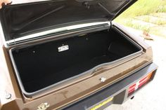 Lotus Eclat S2 (Type 84) (1980-1982) Rear compartment