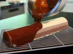Glossy Caramel Icing - Our recipe with photos - Meilleur du Chef Pastry Recipes, Cupcake Recipes, Cupcake Cakes, Dessert Recipes, Cooking Recipes, Decoration Patisserie, Caramel Icing, Ganache, French Pastries