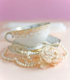 vintage tea cup and pearls
