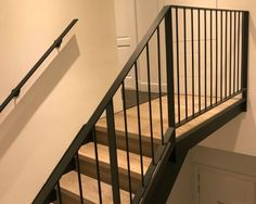 31 best Ideas for stairs railing ideas steel Steel Railing Design, Steel Stair Railing, Steel Balustrade, Modern Stair Railing, Balcony Railing Design, Steel Stairs, Staircase Railings, Modern Stairs, Staircase Design