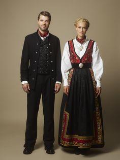 I forbindelse med for Norge har Eva Lie designet en elegant… Folk Clothing, Historical Clothing, Norwegian Clothing, Costumes Around The World, European Dress, Scandinavian Fashion, Folk Costume, Ethnic Fashion, Fashion History