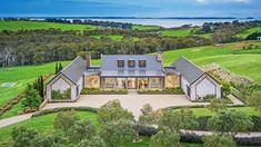 Musk Creek Road, Flinders. Modern Farmhouse Exterior, Coastal Farmhouse, Farmhouse Design, Soho Farmhouse, Urban Farmhouse, Farmhouse Style, Modern Barn House, Barn Style Houses, Modern Mansion