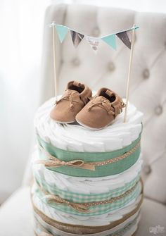 ▷ 1001 + What do you give to baptism ideas and DIY projects- ▷ 1001 + Was schenkt man zur Taufe Ideen und DIY Projekte Give diaper cake and baby shoes to baptism, handmade gift - Deco Baby Shower, Baby Shower Gifts, Baby Gifts, Baby Party, Homemade Gifts, Baby Shoes, Presents, How To Make, Handmade