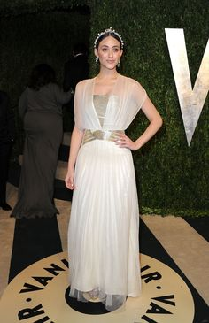 Emmy Rossum Photos - Actress Emmy Rossum arrives at the 2013 Vanity Fair Oscar Party hosted by Graydon Carter at Sunset Tower on February 2013 in West Hollywood, California. - 2013 Vanity Fair Oscar Party Hosted By Graydon Carter - Arrivals Oscar Dresses, Formal Dresses, Wedding Dresses, White Gowns, White Dress, Oscars 2013, Graydon Carter, Emmy Rossum, Vanity Fair Oscar Party
