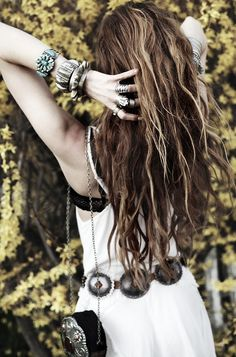 I LOVE long, wild hair :)