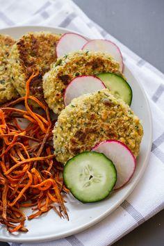Falafel with Tahini Garlic Sauce | glutenfree & vegan