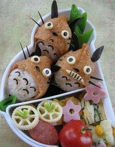 Totoro de Inari (válvula de caracteres) Japanese Snacks, Japanese Food, Totoro, Bento Box, Lunch Box, Food Art, Sushi, Watermelon, Fruit