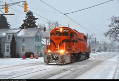 Net Photo: CSS 2000 Chicago SouthShore & South Bend Railroad EMD at Michigan City, Indiana by Craig Walker Electric Locomotive, Diesel Locomotive, Michigan City, Railroad Photography, Norfolk Southern, Road Train, Rail Car, Train Pictures, Train Engines