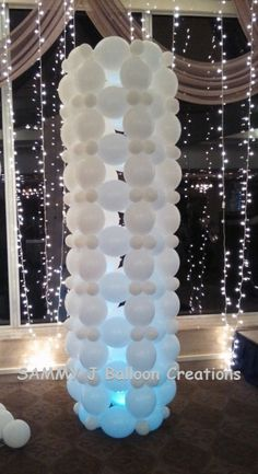 This Link-O-Loon tower stands nine feet tall without any framing! The joys of Link-O-Loons!!! www.sammyjballoons.com