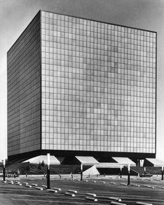 Los Angeles County Department of Public Works      Albert C. Martin & Associates, 1971
