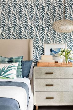A layered and laid-back beach-inspired Bridgehampton home! | Mix and Chic | Bloglovin'